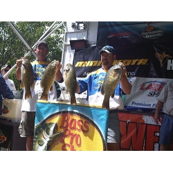 Grandt Pros Win Bass Tournament